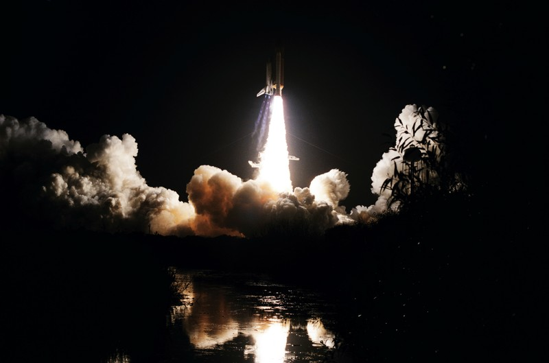 Launch of the Shuttle Discovery and begining of STS 51-I mission